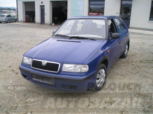 Auta Pelouch U tří křížů - Škoda Felicia