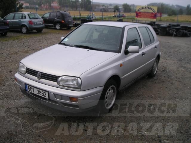 Auta Pelouch U tří křížů - VW GOLF 1.6