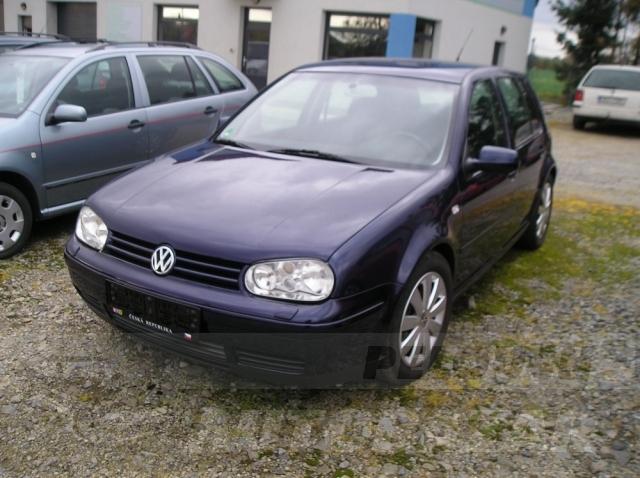 Auta Pelouch U tří křížů - VW GOLF 1.6 16v