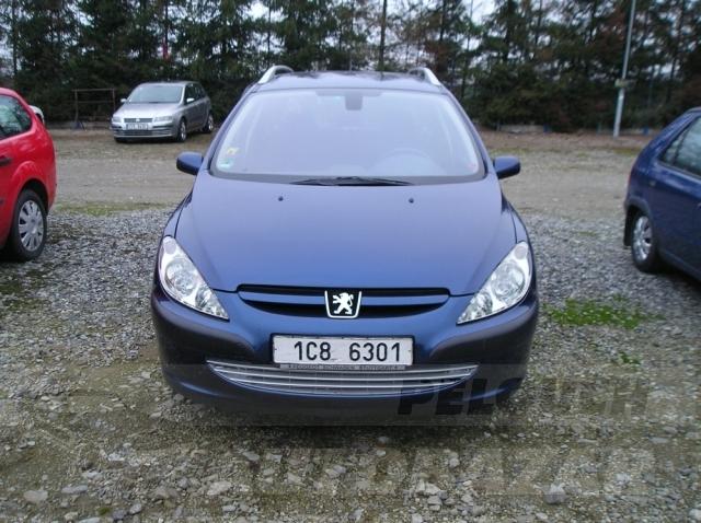 Auta Pelouch U tří křížů - Peugeot 307 kombi 2.0 HDI