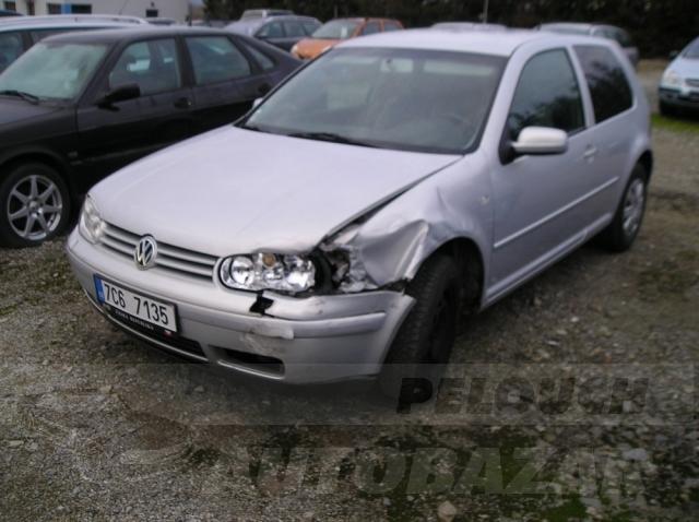 Auta Pelouch U tří křížů - VW Golf 1.4 16V
