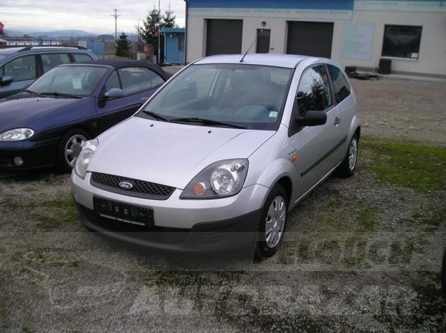 Auta Pelouch U tří křížů - Ford Fiesta 1.3 8V DURATEC