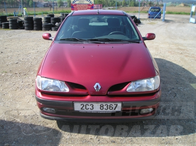 Auta Pelouch U tří křížů - Renault Megane 1.6
