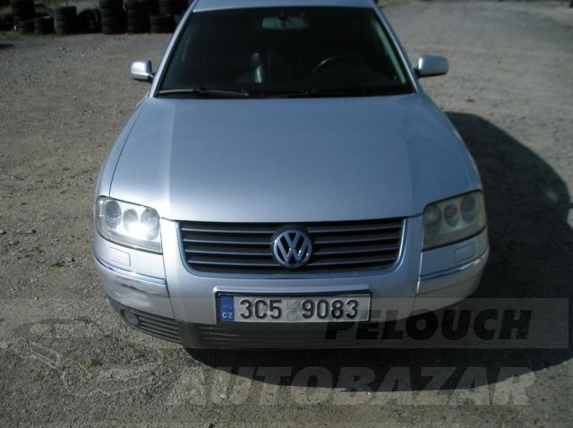 Auta Pelouch U tří křížů - VW PASSAT 2.5 TDI