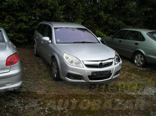 Auta Pelouch U tří křížů - Opel Vectra 1.9 TDCI