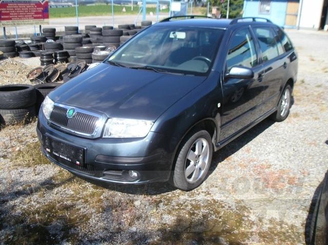 Auta Pelouch U tří křížů - Škoda Fabia combi 1.9 tdi