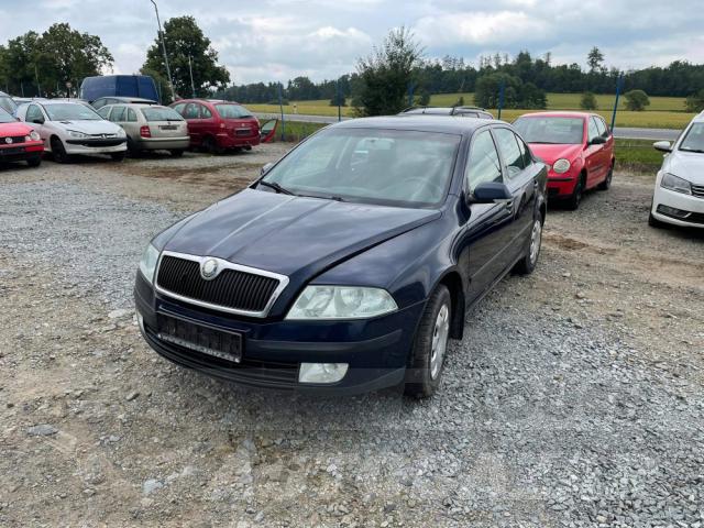 Auta Pelouch U tří křížů - Škoda Octavia II 1.6