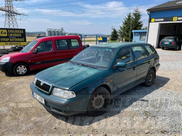 Auta Pelouch U tří křížů - Škoda Octavia 1.9 tdi 4x4