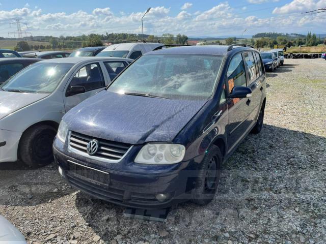 Auta Pelouch U tří křížů - VW Touran 1.9 TDI